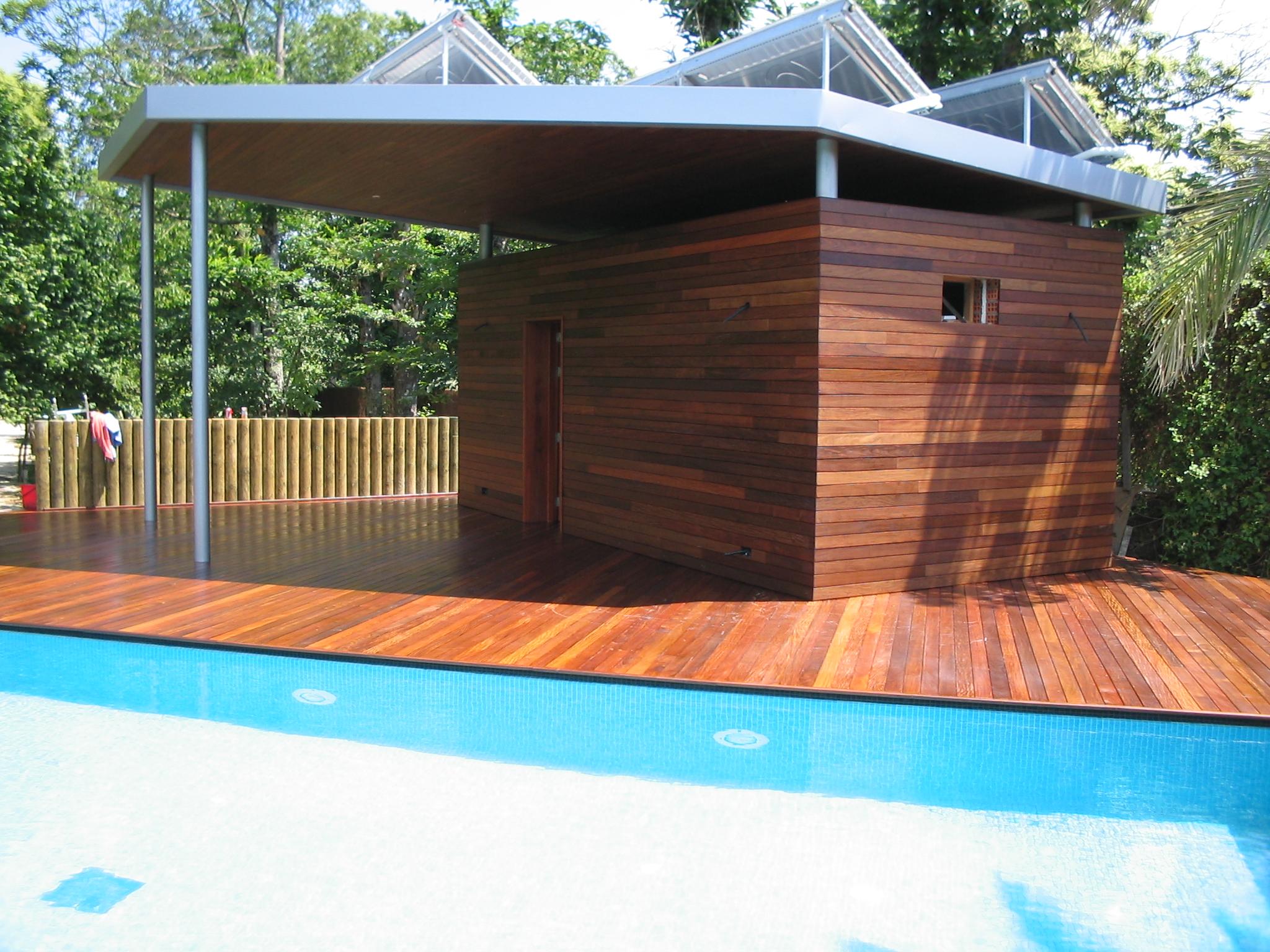 Tarimas de exterior maderas de exterior dise o exterior for Porticones madera exteriores